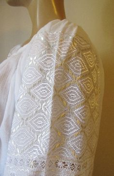 Hand embroidered Romanian blouse - white - ivory rhomb - size M/L Embroidery Patterns, Cross Stitch Patterns, Pakistani Dresses, Lace Skirt, Ivory, Costumes, Blouse, Creative, Skirts