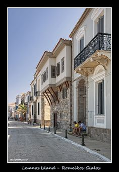 Romeikos Gialos in Myrina, Lemnos Island, Lesvos, North Aegean_ Greece Samos, Beautiful Islands, Beautiful Places, Myconos, Empire Ottoman, Places In Greece, Vacation Places, Vacations, Neoclassical