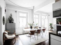 Large open plan apartment - via Coco Lapine Design blog