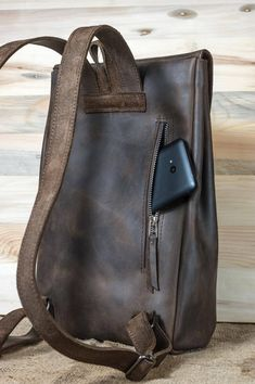 To Australia To Australia and new zealand To Australia cheap To Australia packing lists To Australia tips To Australia with kids Personalized leather city Backpack leather rucksack Notebook Rucksack, Laptop Rucksack, Leather Bags Handmade, Leather Craft, Crea Cuir, Duffle, Personalized Backpack, Leather Projects, Leather Accessories