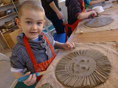 Jarní keramika (Galerie) | Liberecká jazyková školka o.p.s. Ceramics Projects, Clay Projects, Kids Clay, Ceramic Art, Spring, Ideas, Pottery, Gifts, Kids