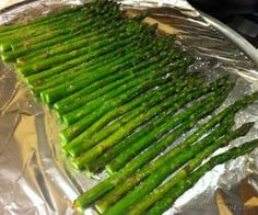 Paleo recipes Oven Roasted Asparagus, Recipe To Cook Asparagus, Steamed Asparagus, Healthy Asparagus Recipes, Veggie Recipes, Paleo Recipes, Real Food Recipes, Cooking Recipes, Oven Cooking