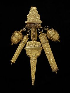 """1730-1735 British Chatelaine at the Victoria and Albert Museum, London """"Whatever Shall I Wear?"""" needs correction!"""