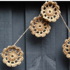 Decorate with natural texture - inside or out. The garland features 10 crochet motifs. They look amazing over your bedhead, hanging from a curtain ...