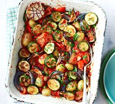 This super healthy one-pot with courgettes, aubergines, new potatoes, peppers and juicy tomatoes