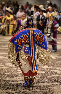 Women's Northern Traditional Buckskin. 2012 Hunting Moon Pow Wow by Paul Gowder, via Flickr