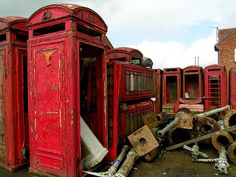 abandoned-red-phone-boxes-1