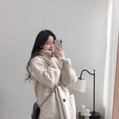Korean Girl Short Hair, Korean Girl Cute, Korean Girl Ulzzang, Mode Ulzzang, Korean Girl Photo, Pretty Korean Girls, Korean Beauty Girls, Korean Girl Fashion, Ulzzang Fashion