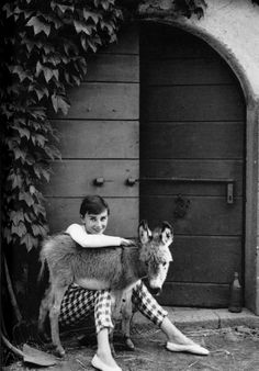 Norman Parkinson: Audrey Hepburn, 1955. The trousers are said to have been made from a checked tablecloth - only she could have got away with those!