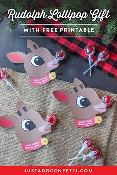 Tis& the season for fun classroom treat ideas and sweet little gifts for the little ones! I& super excited to share my Rudolph Lollipop Gift Idea with you all today.all you need are red lollipops and the free printable! Christmas Classroom Treats, Christmas Candy Gifts, Diy Christmas Gifts For Kids, Diy Gifts For Kids, Preschool Christmas, Homemade Christmas Gifts, Handmade Christmas, Christmas Fun, Diy Dad Christmas Gifts