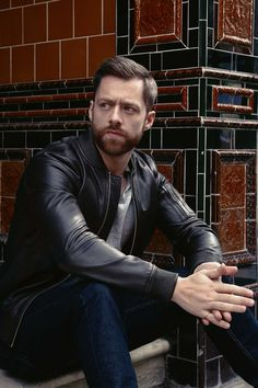 Richard Rankin cast as Roger Wakefield MacKenzie in Outlander season 2!! EEP!