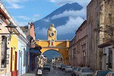 Ya se acerca Semana Santa: ¡Antigua Canopy Tours (interior Finca Filadelfia) les da la bienvenida a La Antigua Guatemala el mejor lugar para pasar los días festivos! #semanasanta #antigua #guatemala #canopy