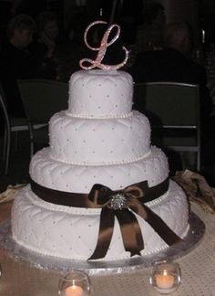 c3edaebf308 My wedding cake. Simple yet elegant
