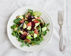 Beet, avocado and grapefruit salad - One of my all time favorite healthy salad combinations - roasted beets, creamy avocado and tangy grapefruit with toasted pistachios. Grapefruit Recipes, Grapefruit Salad, Beet Salad Recipes, Healthy Salads, Healthy Dinner Recipes, Whole Food Recipes, Vegetarian Recipes, Healthy Foods, Tilapia