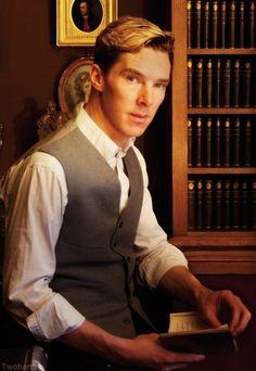 Benedict Cumberbatch is so Britishly beautiful.