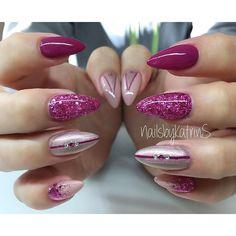 . Work Nails, My Nails, Purple Nail Art, Makeup Tattoos, Fancy Nails, Nail Tutorials, Stiletto Nails, White Nails, Pink Glitter