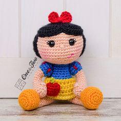 Snow White Doll Amigurumi Pattern