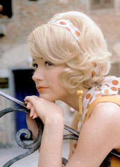 """Shirley MacLaine on the set of """"The Yellow Rolls-Royce"""", Source:msmildred via Mudwerks Rolls Royce, Colored Acrylic Nails, Angela Jones, Terms Of Endearment, Shirley Maclaine, Best Documentaries, Academy Award Winners, Her World, Best Actress"""