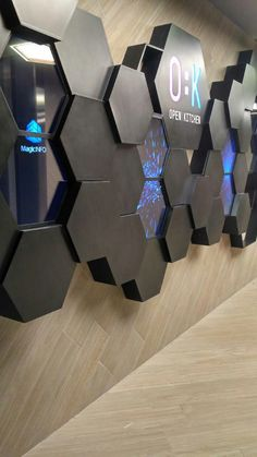 60 new ideas digital screen exhibition Screen Design, Stand Design, Display Design, Ceiling Design, Wall Design, Screened Porch Decorating, Donor Wall, Wooden Screen, Wayfinding Signage