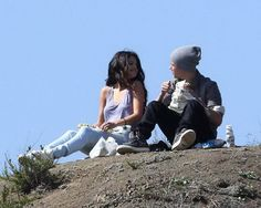 Justin Bieber and Selena Gomez in Los Angeles Griffith park