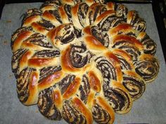 Mákvirág :: Dióval is lehet. Polish Christmas Traditions, Poppy Cake, Polish Recipes, Dessert Recipes, Desserts, Sweet Bread, Scones, Ale, Biscuits