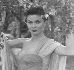 Joanne Dru (January 31, 1922 - September 10, 1996)  was an American film and television actress, known for such films as  Red River and  All the King's Men. Description from web.vipwiki.org. I searched for this on bing.com/images