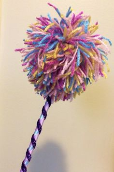 DIY Abby Cadabby Wand - Ribbons, Balloon Stick, Yarn, Hot Glue... Wahla! Group Halloween Costumes, Halloween 2016, Halloween Ideas, Dress Up Costumes, Diy Costumes, 2nd Birthday, Birthday Parties, Birthday Ideas, Abby Cadabby Costume