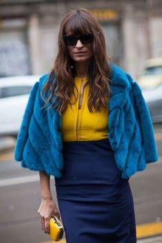 Ton in Ton war gestern - jetzt sind knallige Farbkombinationen in. Welche Farben gut harmonieren und von welchen Farbkombinationen ihr bei eurer Mode besser die Finger lassen solltet...