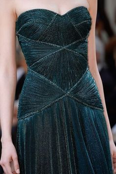 Versace Fall 2013 Couture - Review - Fashion Week - Runway