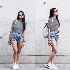 Levi's® Jeans Shorts, Monki Crop Top, Adidas  Sneaker