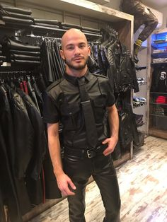 Look At These Men's Jackets. Find out some terrific guys fashion. With so much style for men available currently, it can be a time consuming encounter. Mens Leather Shirt, Leather Blazer, Leather Trousers, Latex Men, Stylish Jackets, Casual Jackets, Bald Men, Men In Uniform, Leather Fashion