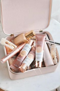 Oriflame Beauty Products, Best Makeup Products, Aesthetic Beauty, Aesthetic Makeup, Tinted Moisturizer, Moisturiser, Beauty Skin, Beauty Makeup, Face Care Tips