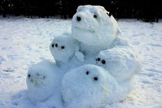 If you have kids and you live in a place that gets snow, chances are you're going to find yourself building a snowman at some point this winter. But before you stack a few snowballs on top of each other and stick a carrot and some coal in its head, check out this list of super creative snowmen compiled by Bored Panda.