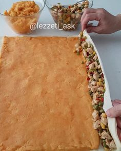 """6,075 Beğenme, 80 Yorum - Instagram'da lezzet-i_ask (@lezzeti_ask): """"Hayırlı akşamlar arkadaslar Bir süredir börek videosu çekmemiştim. Hem buzluk içinde uzun süre…"""" Turkish Recipes, Ethnic Recipes, Fried Chicken Sandwich, Ground Meat Recipes, Bread And Pastries, Iftar, How To Eat Less, Different Recipes, Food Blogs"""
