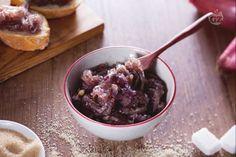Le cipolle di Tropea caramellate sono un contorno originale, dal sapore agrodolce, per accompagnare secondi di carne o da gustare su crostoni di pane!