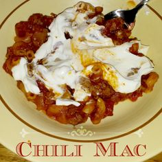 My family has been eating Chili Mac recipe for years! It's quick, easy, and so delicious. Chili Mac Recipe, Chili Recipes, Great Recipes, Dinner Recipes, Favorite Recipes, Grubs, Chowders, Recipe Box