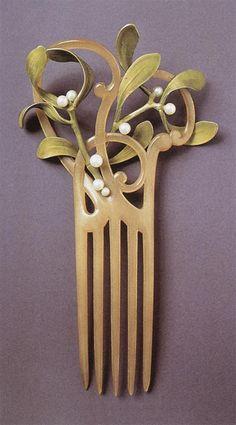 art nouveau hair comb with mistletoe motif Bijoux Art Nouveau, Art Nouveau Jewelry, Antique Jewelry, Vintage Jewelry, Antique Art, Ancient Jewelry, Jugendstil Design, Ideas Joyería, Jewelry Accessories