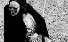 Creepy Vintage Photos Gallery uploaded by luxington∞ Creepy Images, Creepy Photos, Spooky Pictures, Bizarre Photos, Angel Of Death, Victor Hugo, Vanitas, Old Photos, Vintage Photos