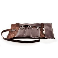 Leather Pencil Case Roll in Brown ✄- - - - - - - - - - - - - - - - - - - - - - - - - I use british cowhide to make this roll. Leather Roll, Leather Tooling, Leather Craft, Leather Bag, Handmade Leather, Pencil Organizer, Leather Pencil Case, Tool Roll, Bracelet Cuir