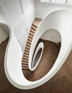 8 Smart Tips AND Tricks: Minimalist Bedroom Cozy Woods minimalist home closet storage.Minimalist Bedroom Carpet Home Design minimalist kitchen interior inspiration. Timber Staircase, House Staircase, Modern Staircase, Staircase Design, Staircase Ideas, Staircase Remodel, Spiral Staircases, Minimalist Kitchen, Minimalist Interior
