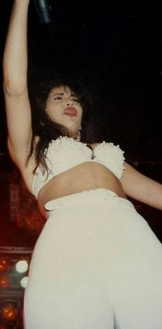 Selena in concert photo credit to Holly and Shelley