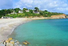 I used to live here! Only a car park separating us from the beach! Falmouth Cornwall, Cornwall Coast, Cornwall England, Beautiful Scenery, Beautiful Beaches, Castles To Visit, Fear Of Flying, Rock Pools, British Isles