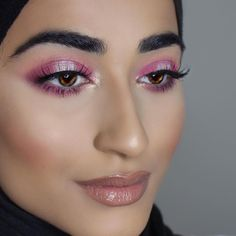 We adore this flawless halo eye by @ shewearsmakeup (Instagram)! She used:Peach Smoothie, Cupcake, Sorbet, Simply Marlena, Whimsical.