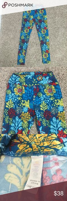 LuLaRoe leggings Very soft These are like new condition. Veey soft leggings very light wear and high waist these are one size. Will fit small to M in my oppinion they do stretch so.. LuLaRoe Pants Leggings