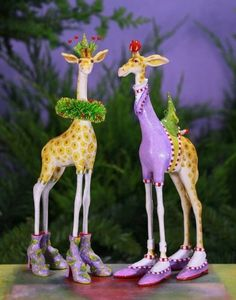 Patience Brewster George & Janet Giraffe Ornament Assorted) want these Vintage Ornaments, Xmas Ornaments, Christmas Decorations, Plastic Animal Crafts, Plastic Animals, Small Christmas Trees, Christmas Fun, Christmas Mantels, Animal Party