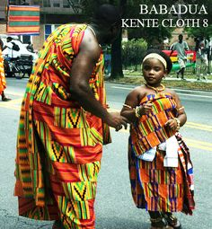 Kente Cloth - Fabric of royalty African Beauty, African Fashion, Ghanian Wedding, Africa Tribes, African Royalty, Culture Clothing, Kente Styles, Kente Cloth, Rihanna Style