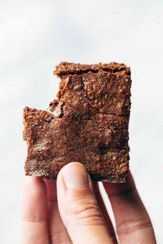 6 Ingredient Espresso Brownies (Pinch of Yum) Espresso Brownies, Brownie Bar, Brownie Recipes, Dessert Recipes, Dessert Bars, Yummy Recipes, Yummy Food, Chewy Brownies, Brunch