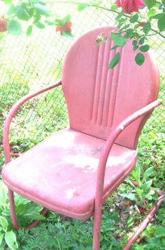 Vintage Antique Retro Metal Lawn Chair Clam by 3vintagehearts   41 5040s 50s Vintage lawn chairs and table   1940 s house and home  . Antique Motel Chairs. Home Design Ideas