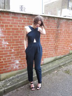 Sew Dixie Lou. : The Moody Blue Jumpsuit - I cannot get over how hot this is.