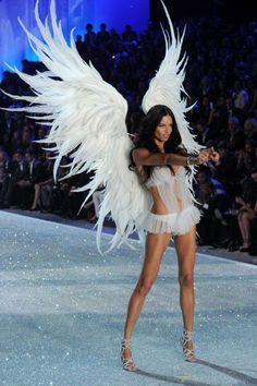 Victoria's Secret: Adriana Lima